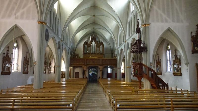 L'intérieur de l'église de Treyaux